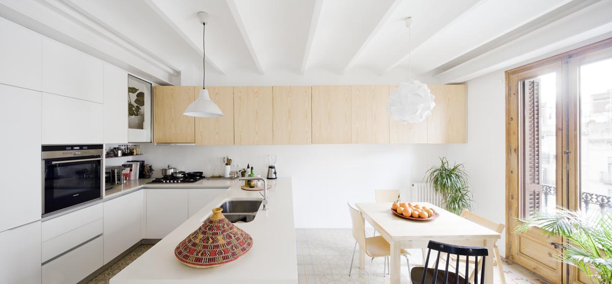 52c212e1e8e44ecb690000c8_apartment-refurbishment-anna-eugeni-bach_004_a_eb_urgell.jpg
