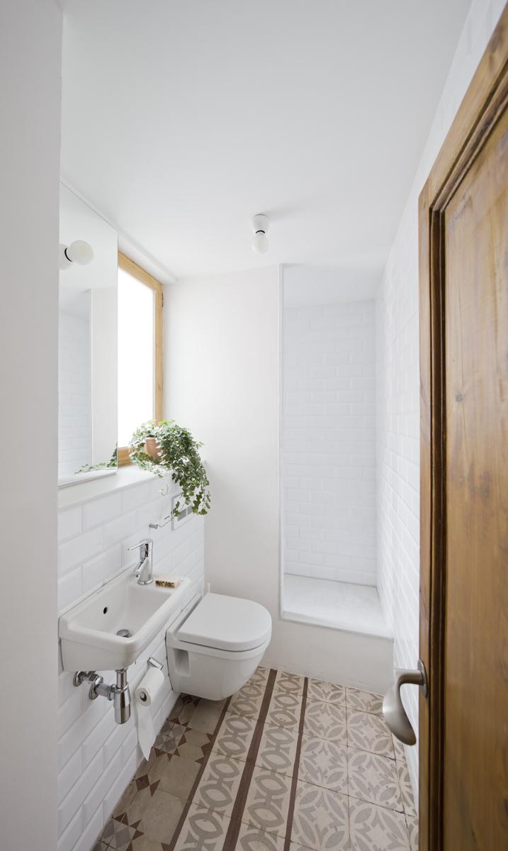52c212f3e8e44eb764000099_apartment-refurbishment-anna-eugeni-bach_007_a_eb_urgell.jpg