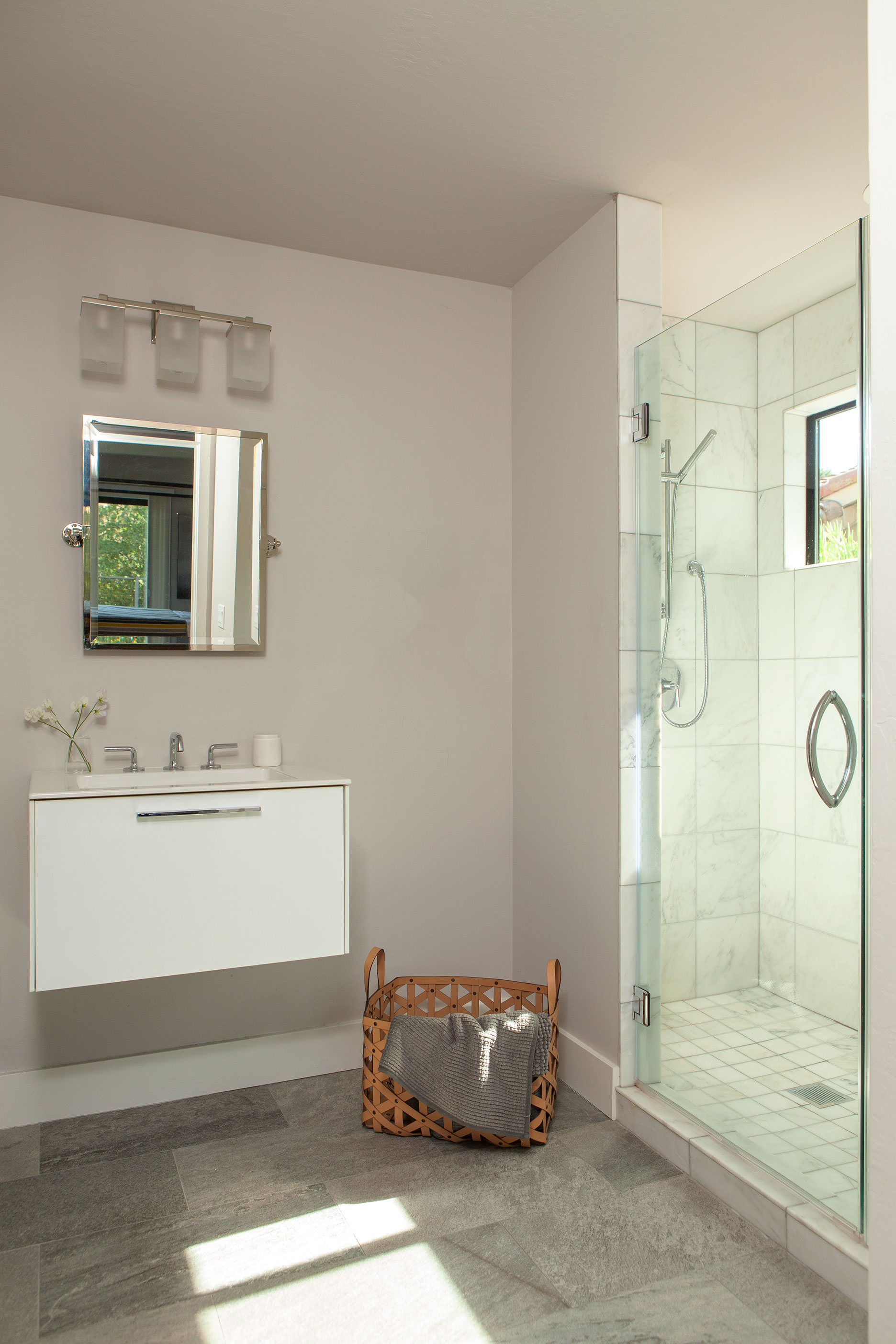 43 Master Bathroom.jpg