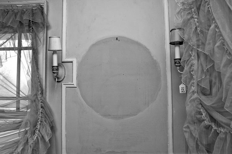 TSAP-4949 Swiss-2nd Floor Bedroom-Empty Frame.jpg