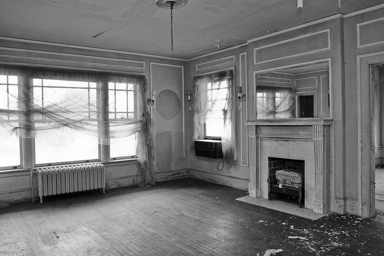 TSAP-4949 Swiss-2nd Floor Bedroom.jpg