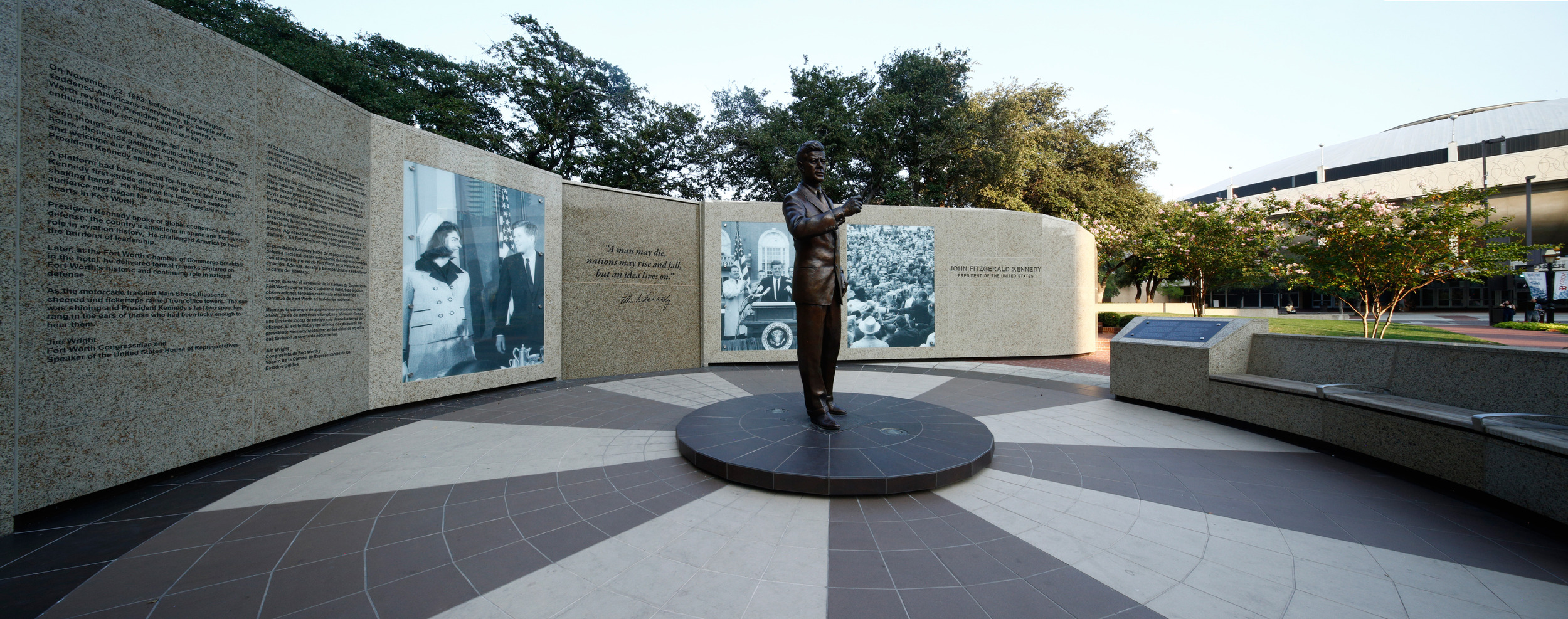 John F. Kennedy Memorial commemorating the young president's final speeches.