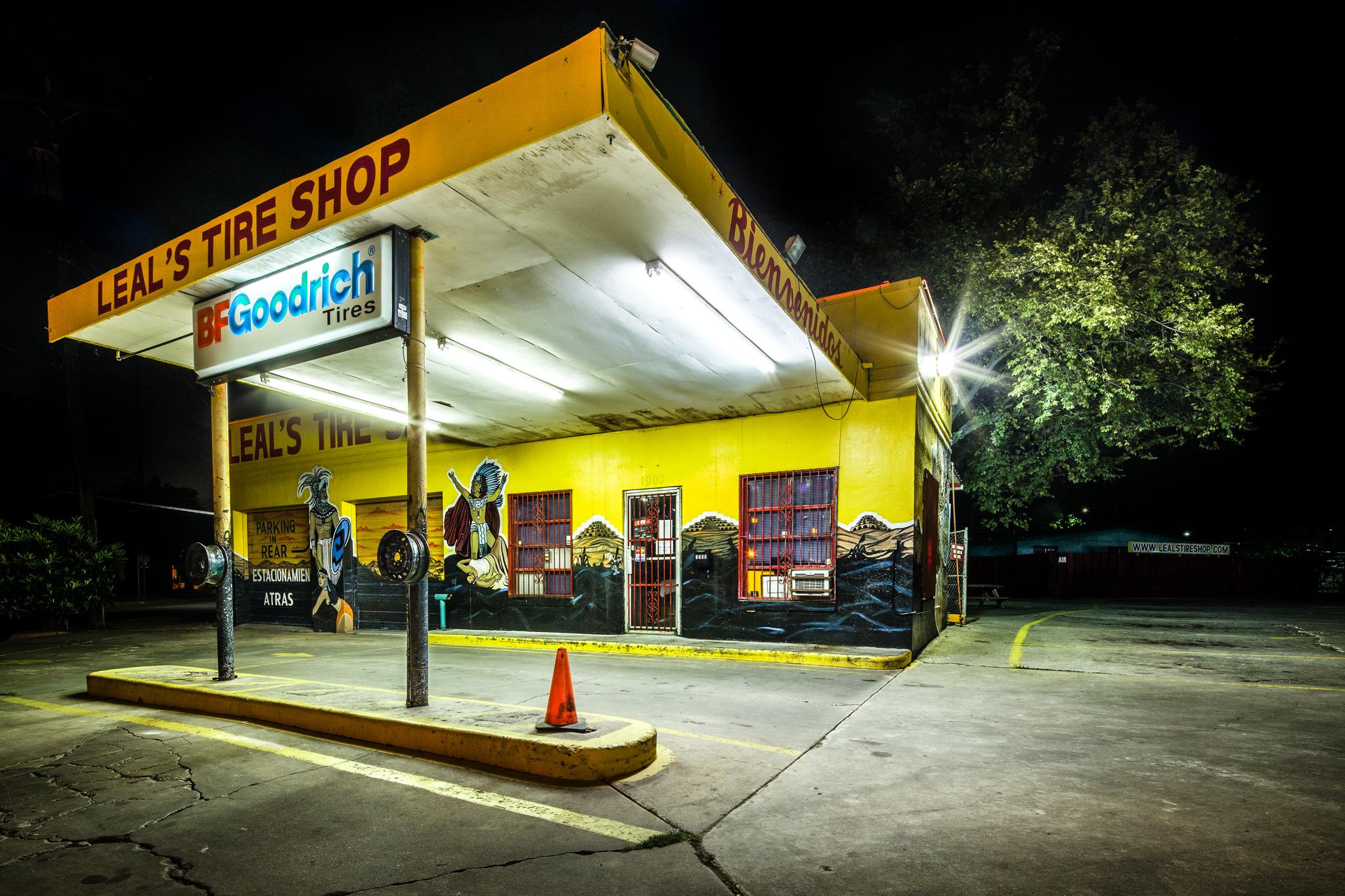 Leal's Tire Shop - Color