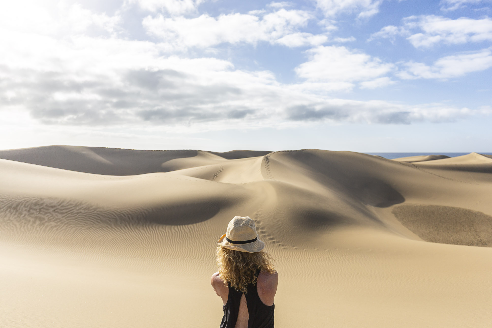 Shooting the dunes during a one-to-one photography workshop in Gran Canaria