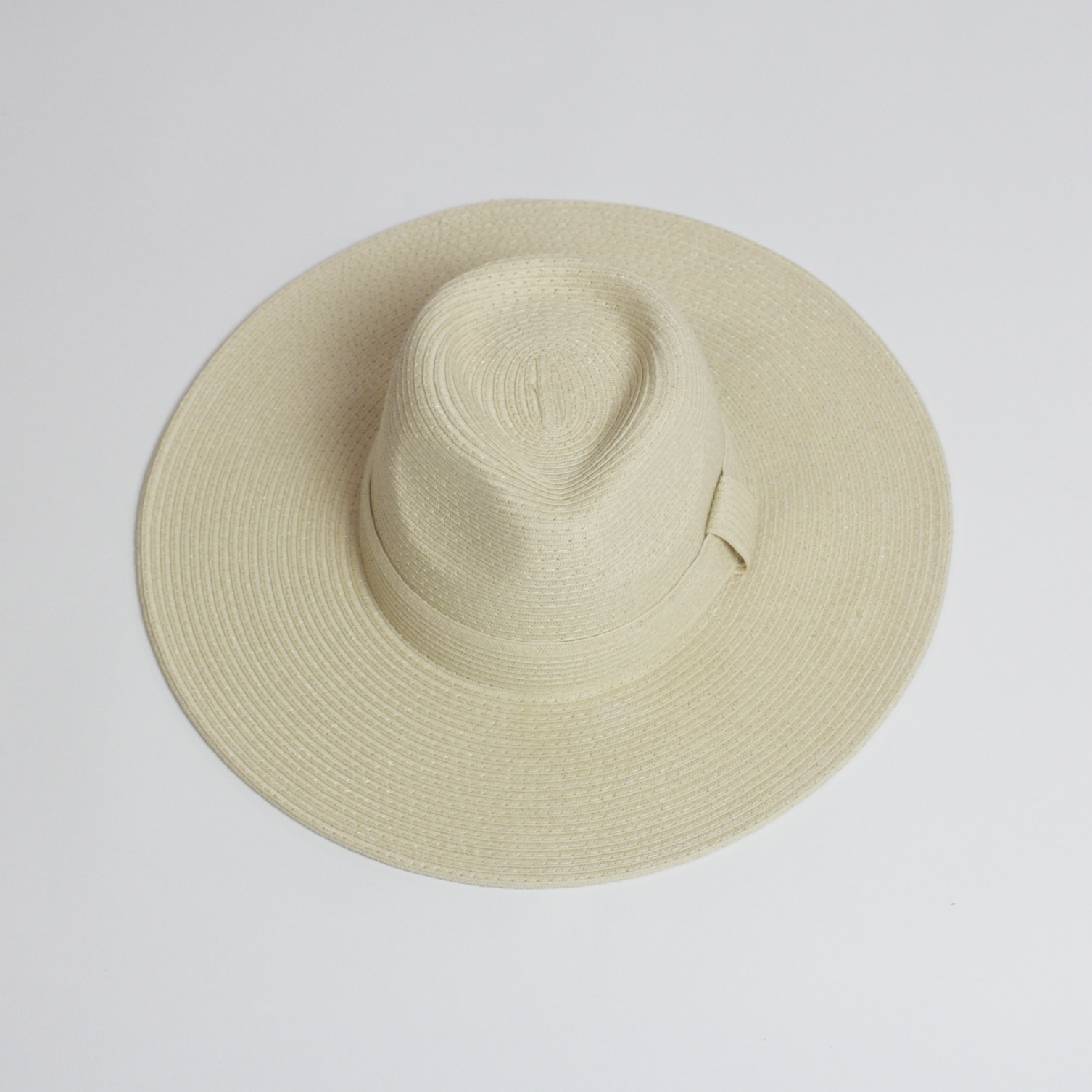 VINTAGE FLOPPY HAT (34-) has got me dreaming of the Spring days ahead.