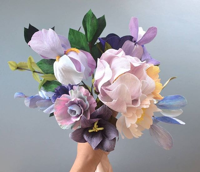 #tbt to this purple bouquet 💜💜💜 with some made up flowers and matching foliage #unexpectedcolorpalettes Recordando este bouquet con algunas flores inventadas 💜💜💜 . . #madewithlia #paperflowers #paperart #papercraft #bostonpaperflorist #paperbouquet #bostonpaperflowers #paperflorist #madetocreate #imsomartha #makersbiz #makersmovement #lgenpaper #craftsposure #dsfloral