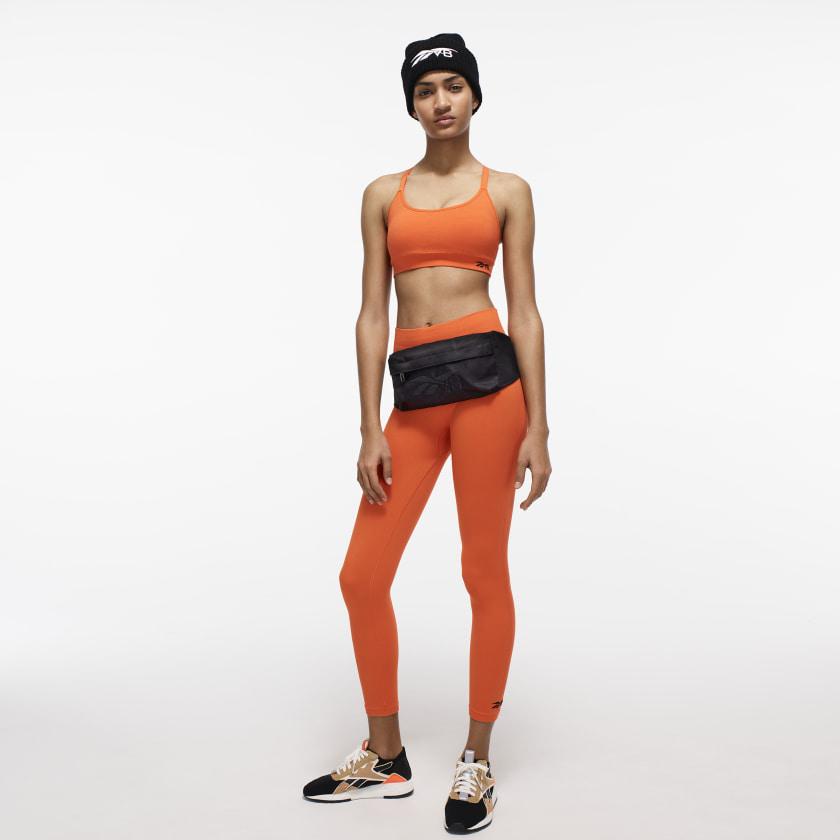 Victoria_Beckham_Seamless_Bra_Orange_FI8981_22_model.jpg