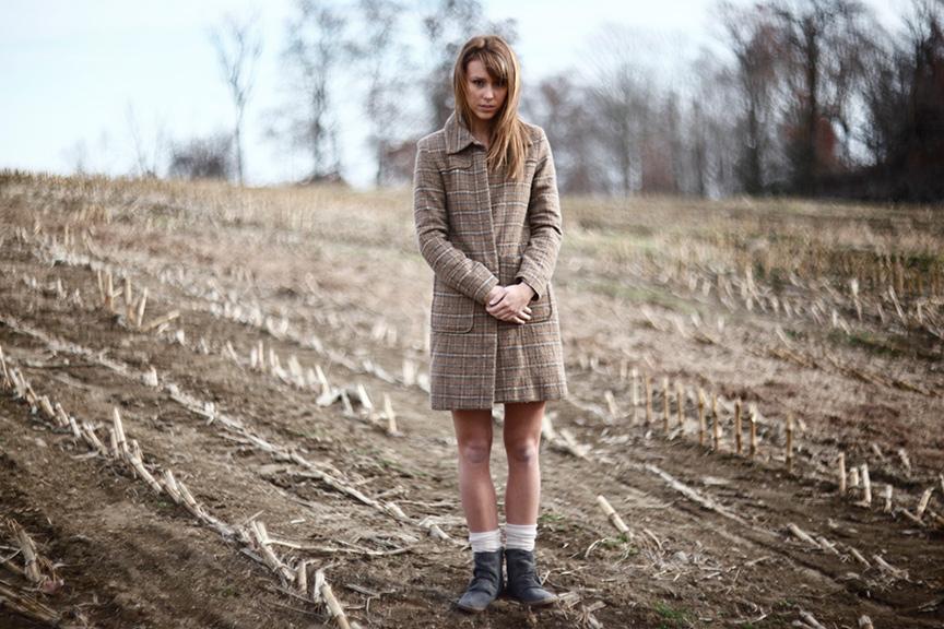 Elizabeth-In-Corn-Field.jpg