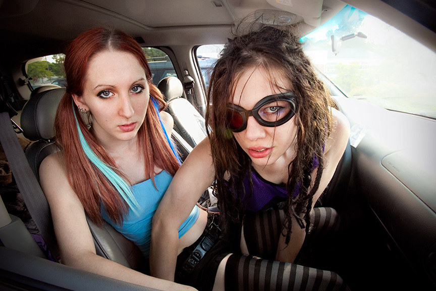 Vittima_And_Harvey_In_Car.jpg