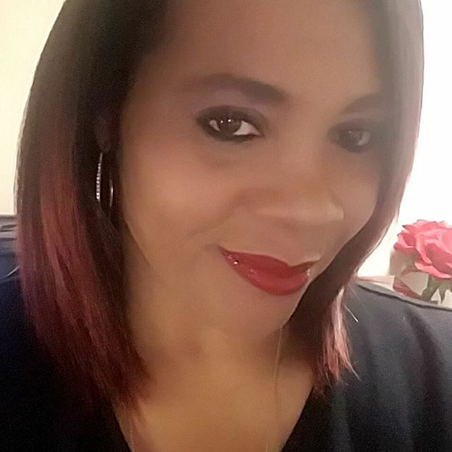 """Looking good @essexpamela! Thank you for sharing the love on @Facebook. """"Fire Engine"""" gloss looks good on you. Shop www.chenesebean.com 💋 #lipgloss #redlips #lippies #sharingthelove #makeup #liplgoss #weekendvibes #happycustomer #facebook #glambychenesebean #smiles #holidayglam #happyholidays #seasonsgreetings #merrychristmas #happynewyear"""