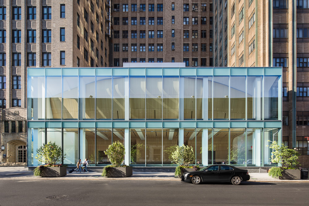 Exterior view of the Alumni Auditorium at Columbia University Medical Center designed by MdeAS Architects