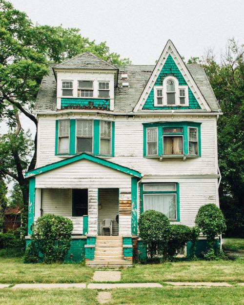 Teal House.jpg