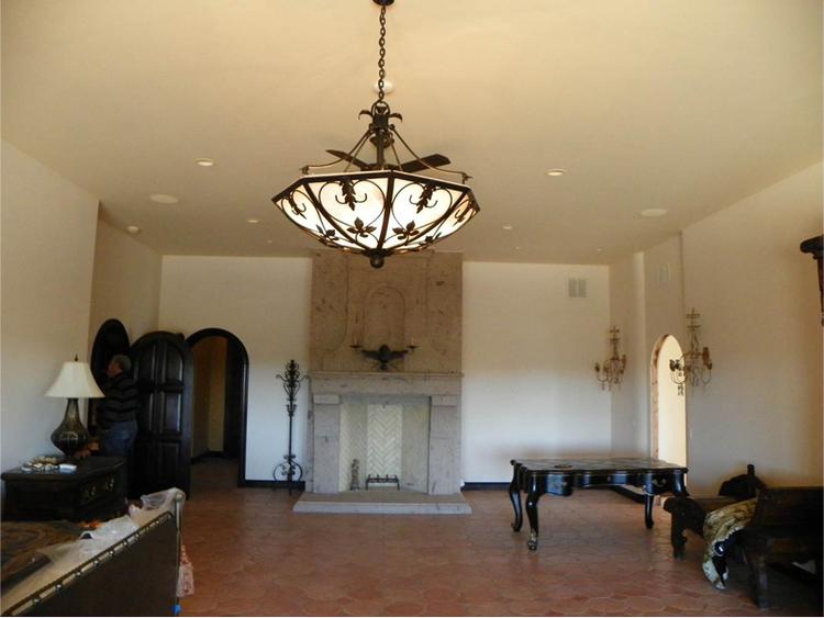 chandelier1big.jpg