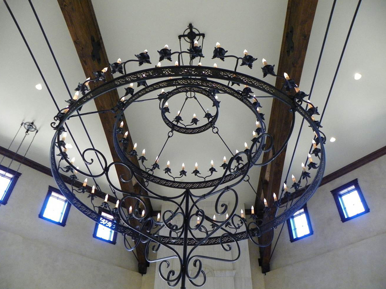 chandelier10big.jpg