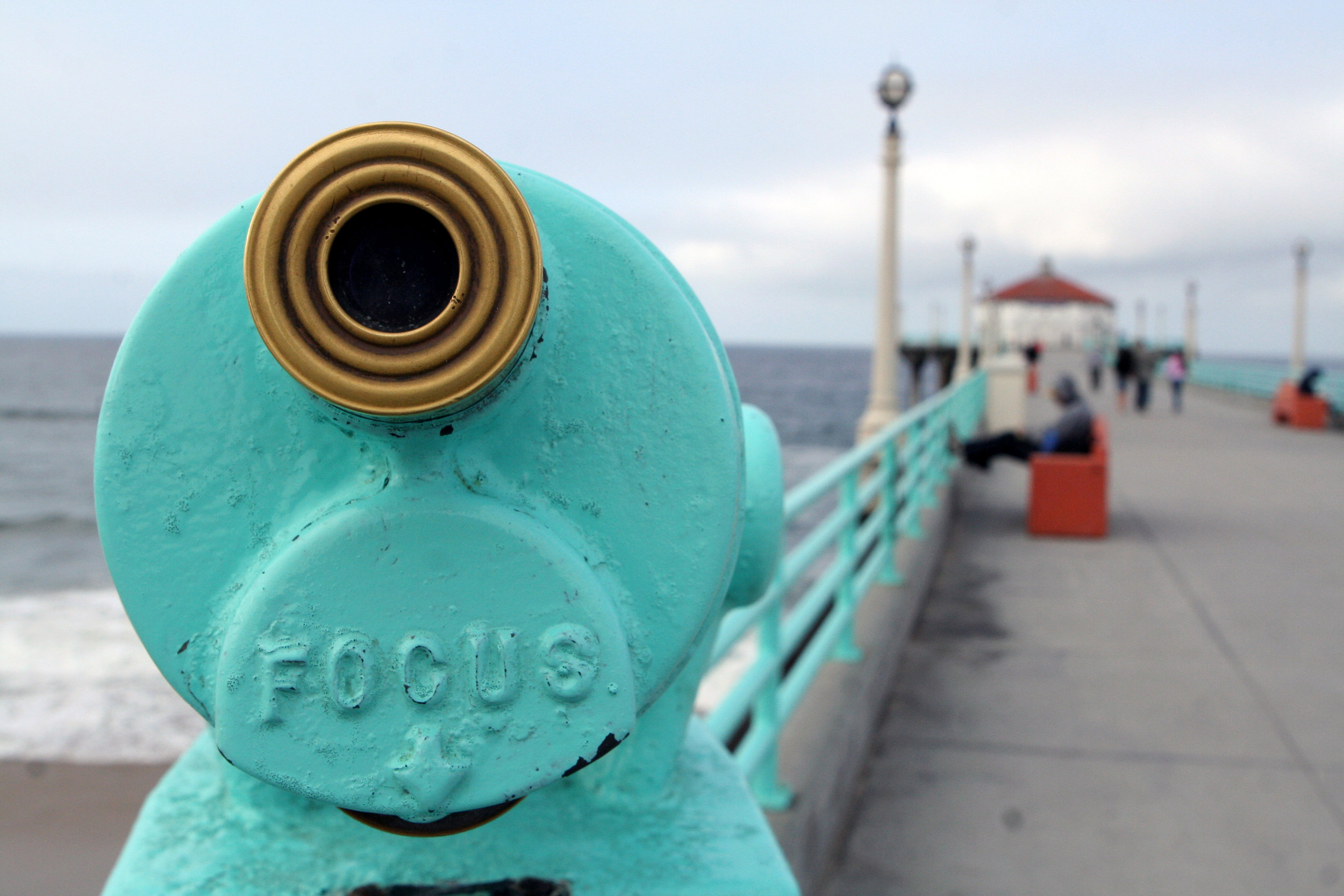 Focus. Manhattan Beach Pier. April, 2008.