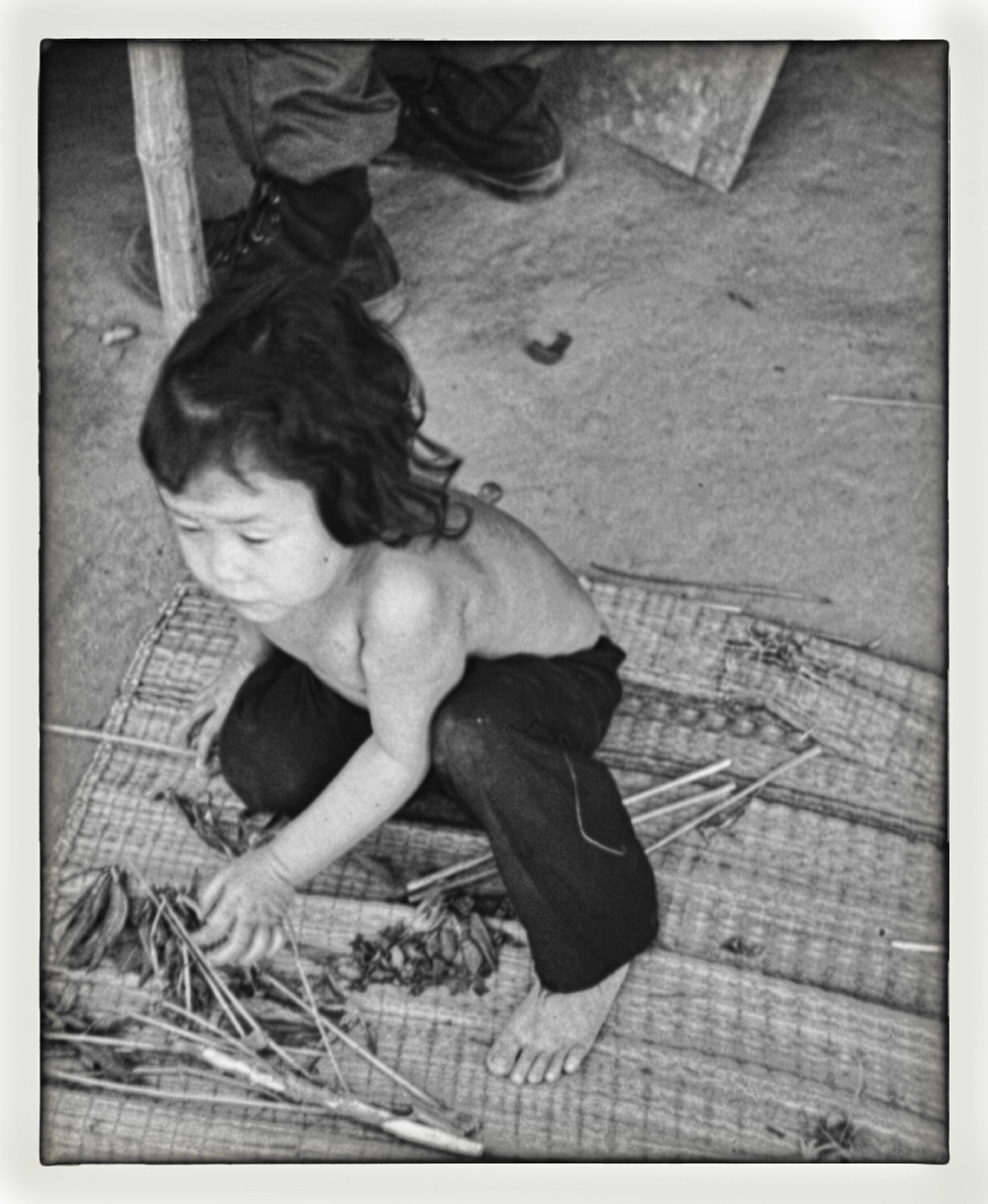 vn14 small girl.jpg
