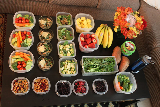 An example of Sunday meal planning for the week ahead, from  NutraCarina .