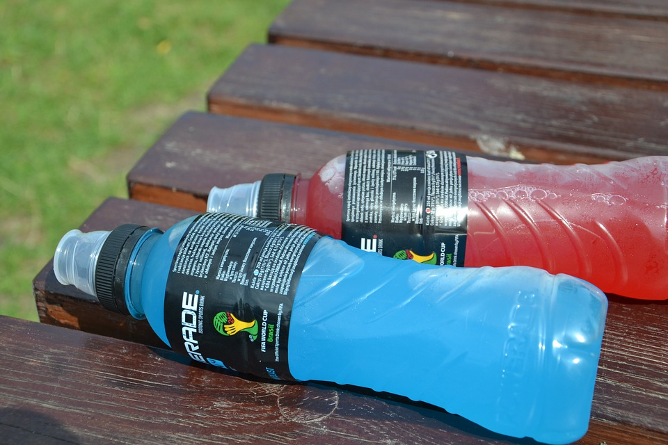 Save fast-digesting carbs for mid-race, when your blood glucose levels need a boost. Just remember to experiment with different products during your training runs—mid-competition is NOT the time to try out a new (and potentially tummy-irritating) gel or sport drink.