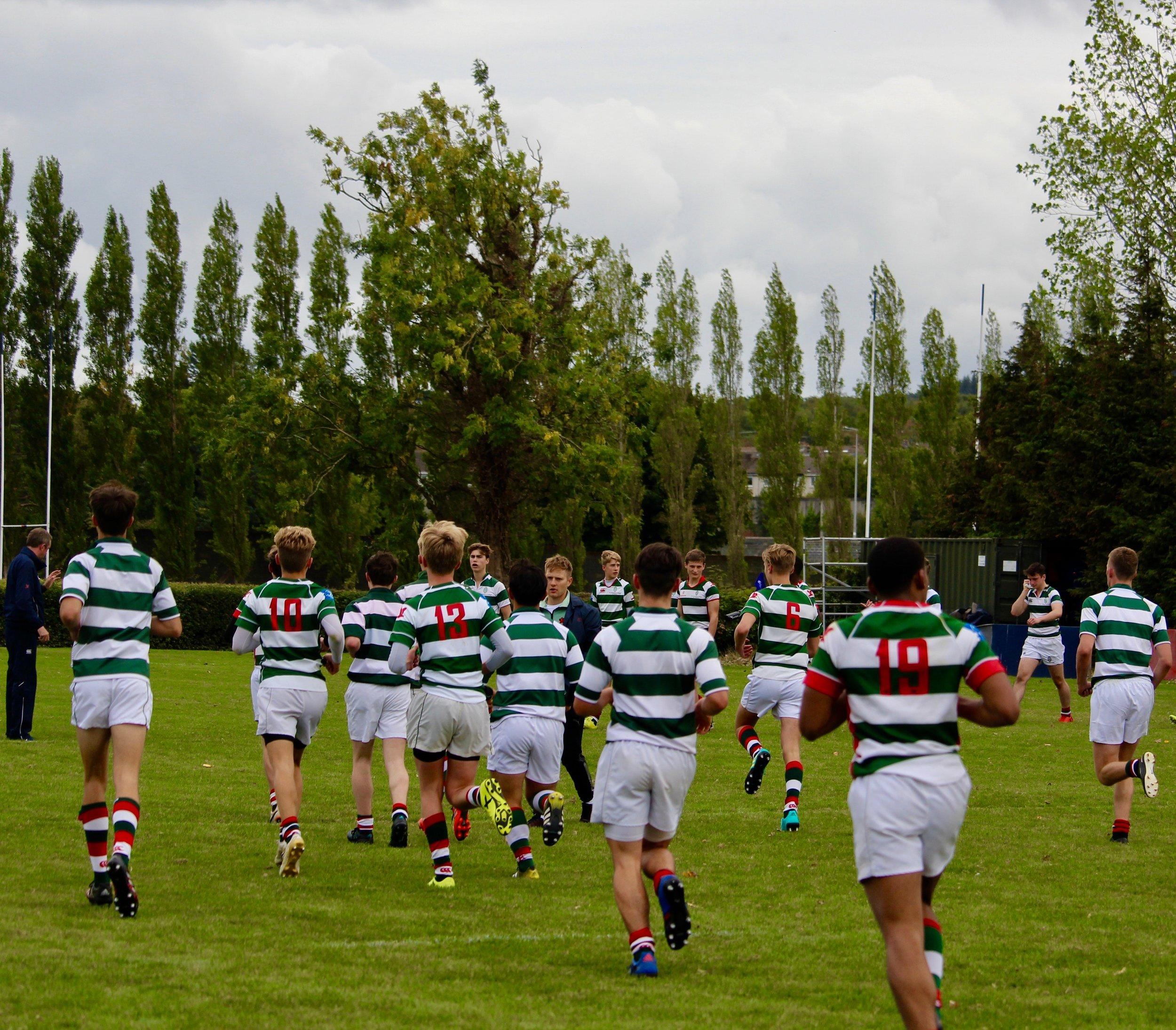rugby-team-victory-1663525.jpg