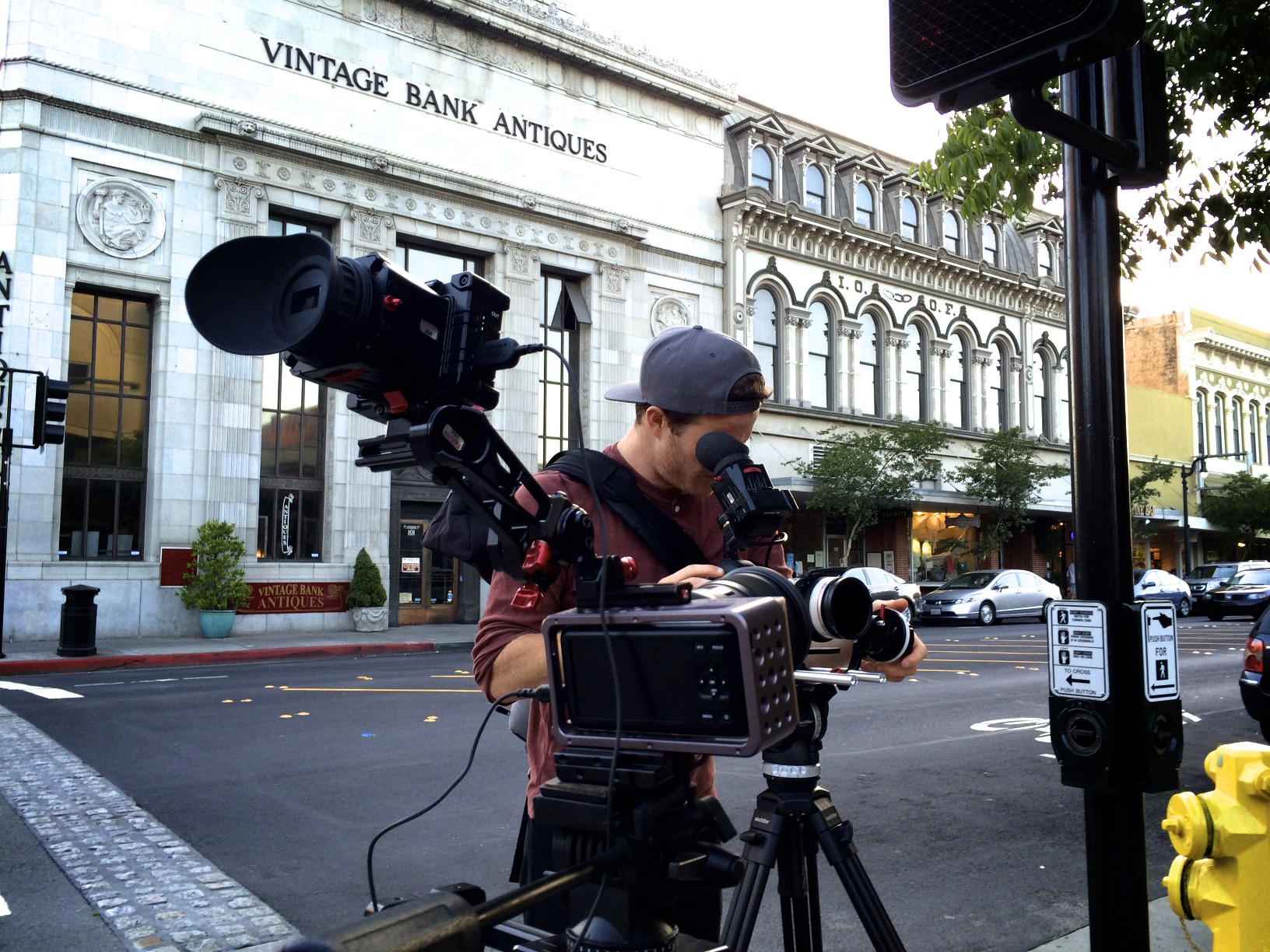 Canon L 70-200mm test in streets of Petaluma, CA.