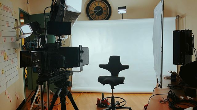 Shooting interviews on white seamless in a tiny room…not easy, but not impossible! Using an #EyeDirect Mark II system. . . . #Arri #Chimera #blackmagicdesign #bmpcc4k #sigma1835 #sigma50100 #sanfrancisco #skypanel #modernstudio #corporatevideo #s30skypanel #kinoflo #kinoflofreestyle #sonomacountyvideo #sanfranciscovideoproduction #videoproduction #videomarketing #woodencamera #smallhd #dji #idxtek #benro #sachtler #cycwall #seamlesspaper #zoomf4