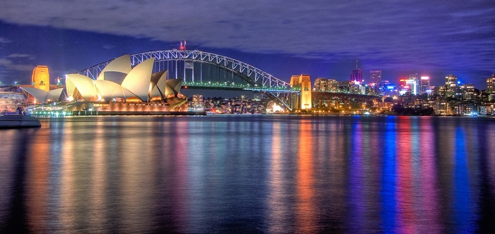 Sydney by  Hai Linh Troung