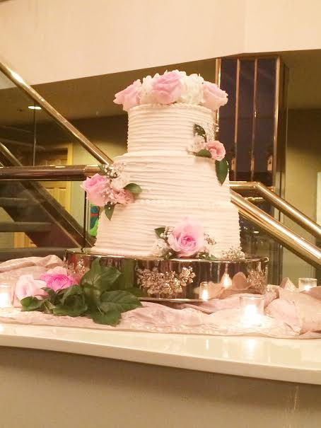 The delicious cake.