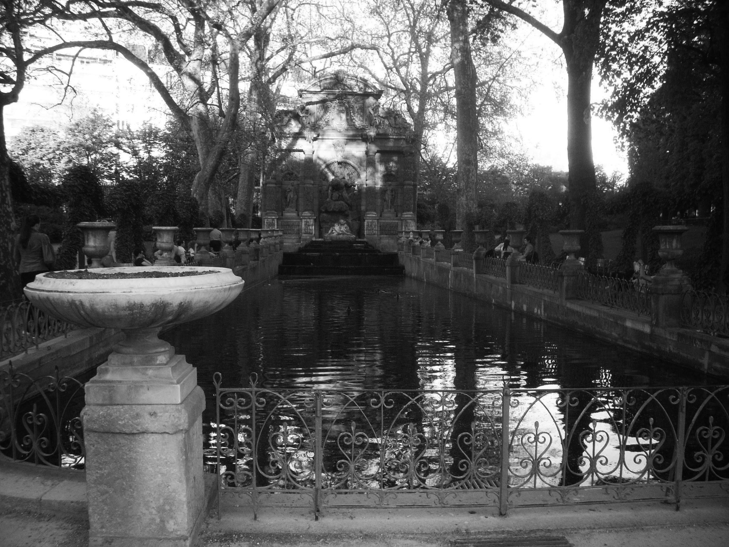 b & w luxembourg gardens.jpg