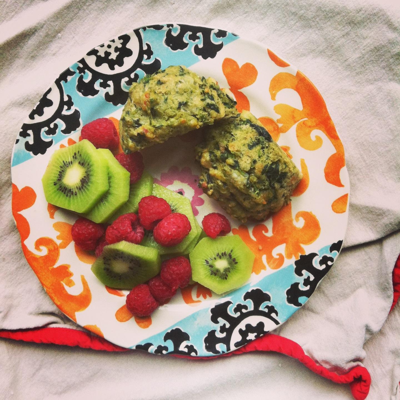 Spinach Pesto Muffin breakfast.JPG