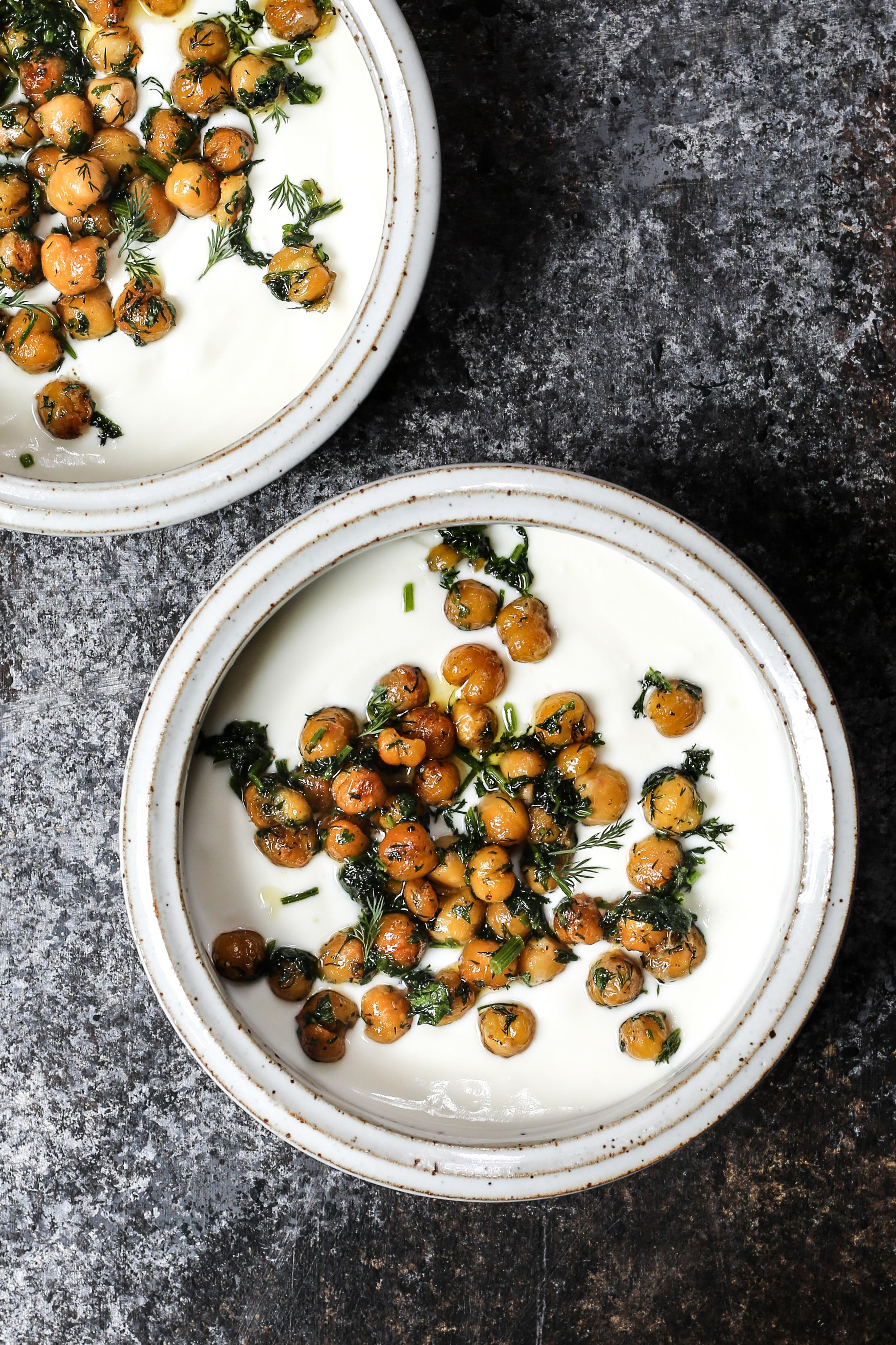 Herbed Chickpeas with Yogurt