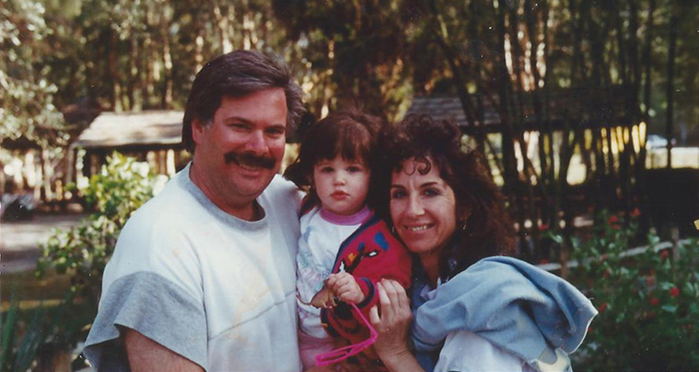 Geena Matuson (@geenamatuson) at age 2 in 1992 with parents Jesse and Leah in New England, USA.