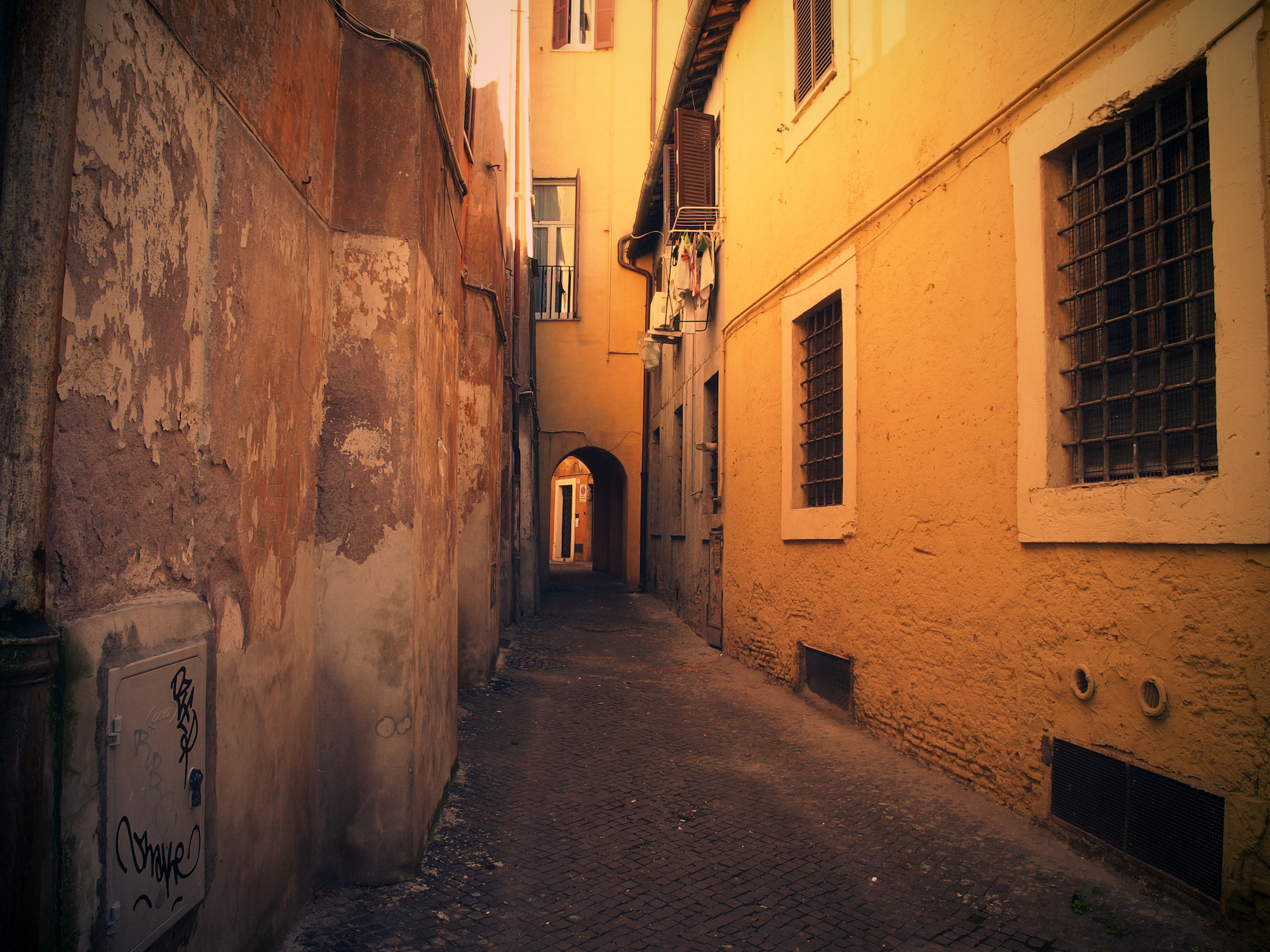 Alley 02  / Part of 'Trip To Italy' series by Geena Matuson @geenamatuson, 2011.