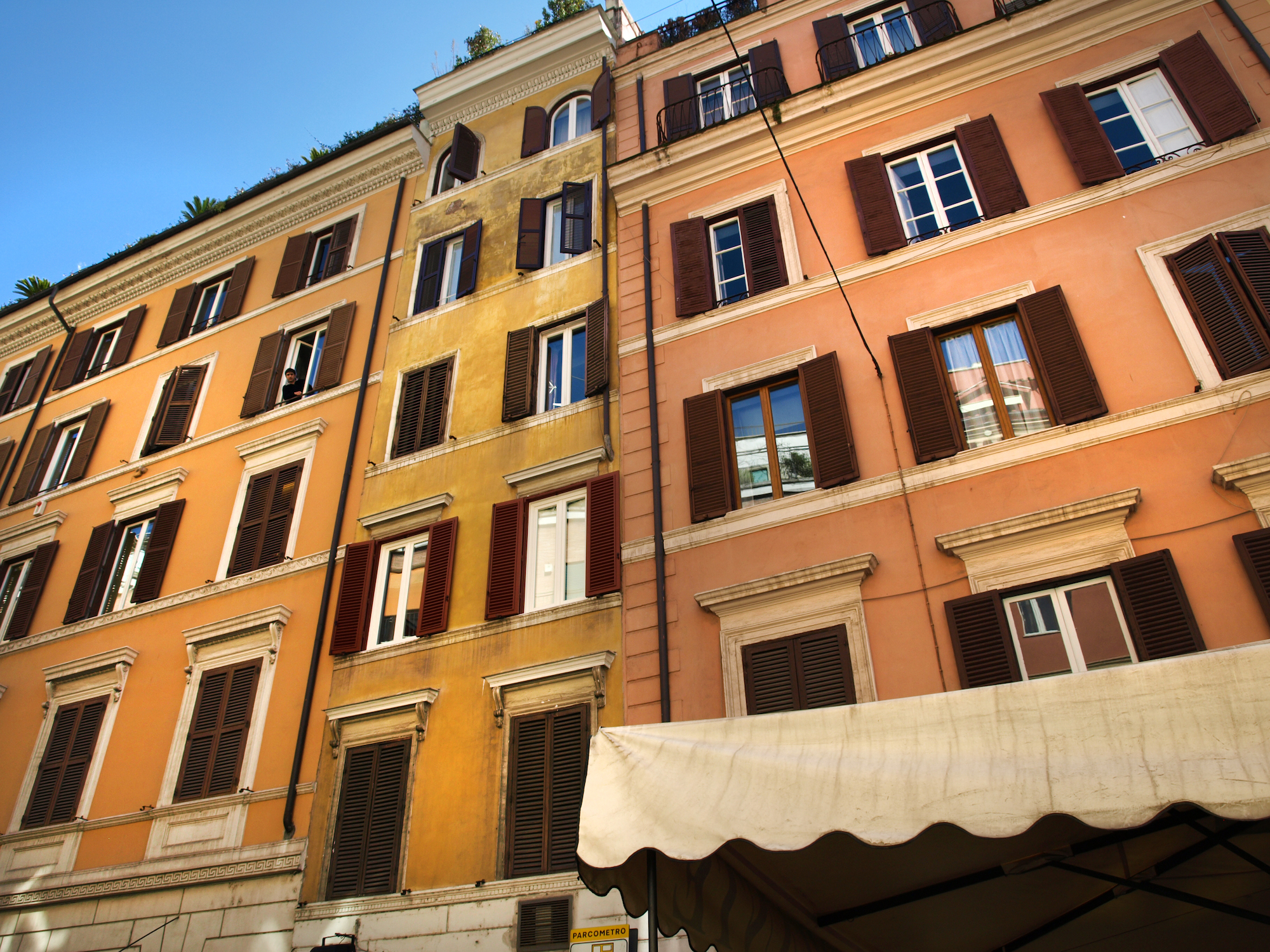 Via delle Carrozze, Italy  / Geena Matuson @geenamatuson #thegirlmirage
