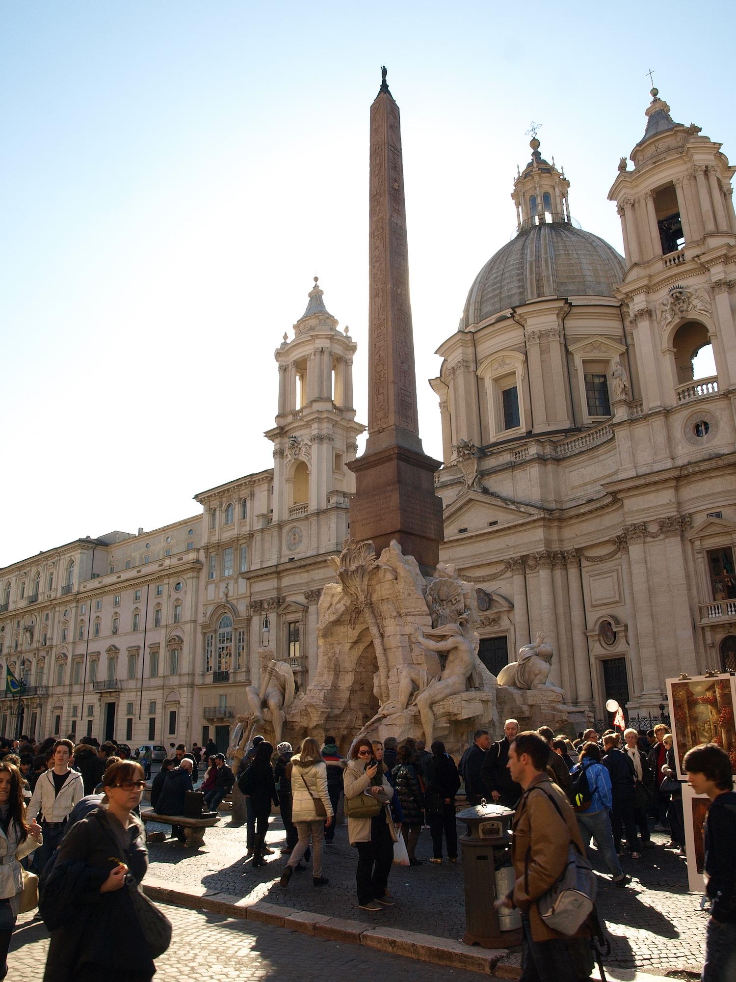Piazza Navona, Italy  / Geena Matuson @geenamatuson #thegirlmirage