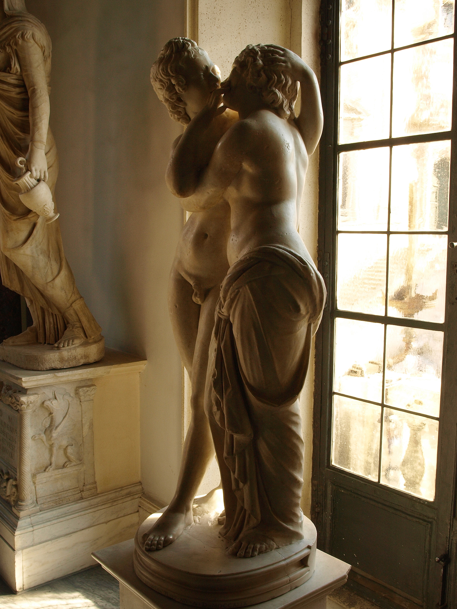 Erós and Psyché  , Musei Capitolini, Piazza del Campidoglio, Italy  / Geena Matuson @geenamatuson #thegirlmirage