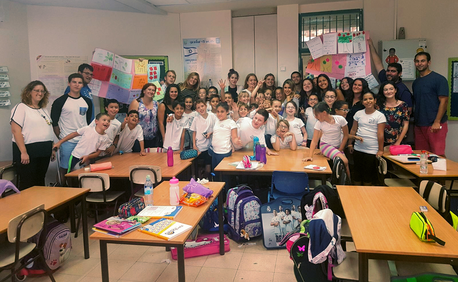 Geena Matuson with fellows and students for Masa Israel Teaching Fellowship's provider Israel Experience in Israel, 2017.