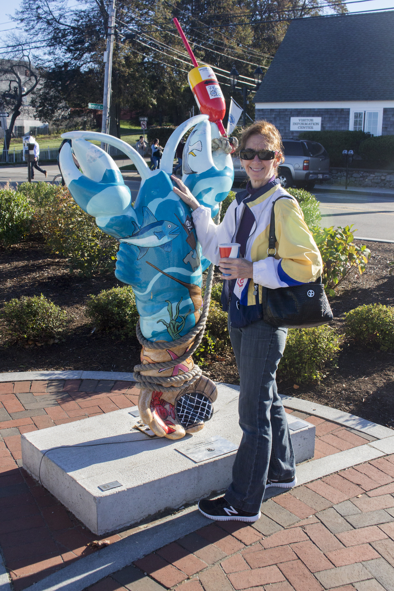 Funny mom-and-lobster photo in Plymouth, MA, USA photographed by daughter Geena Matuson (@geenamatuson) #thegirlmirage, 2017.