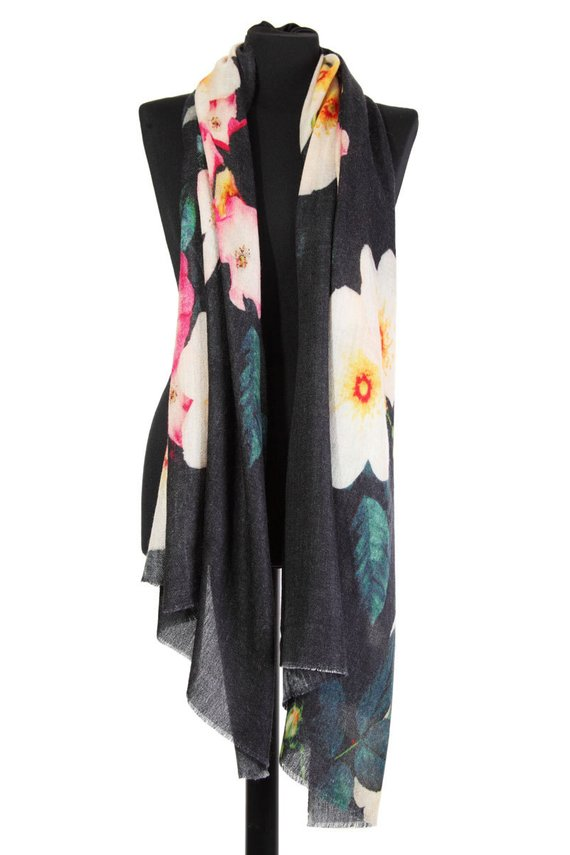 Yumm! - Large floral bursts printed on luxuriously thick cashmere yarn.