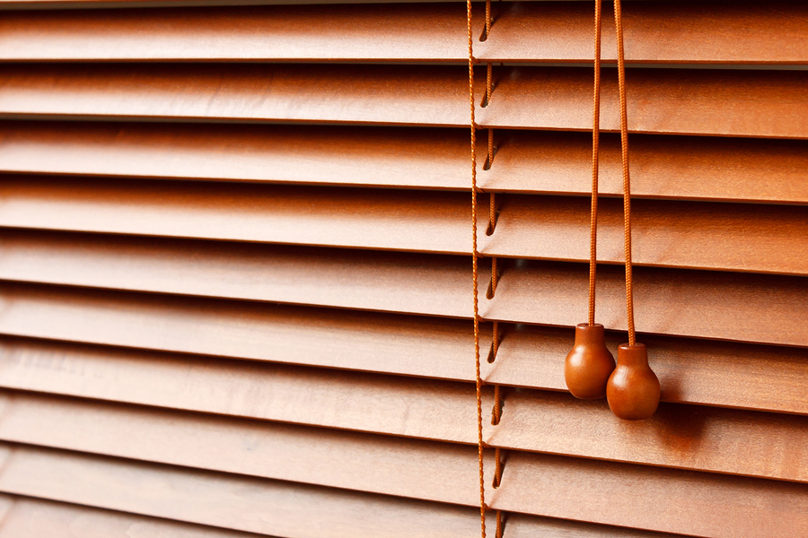 Wood-Blinds-12948146.jpg