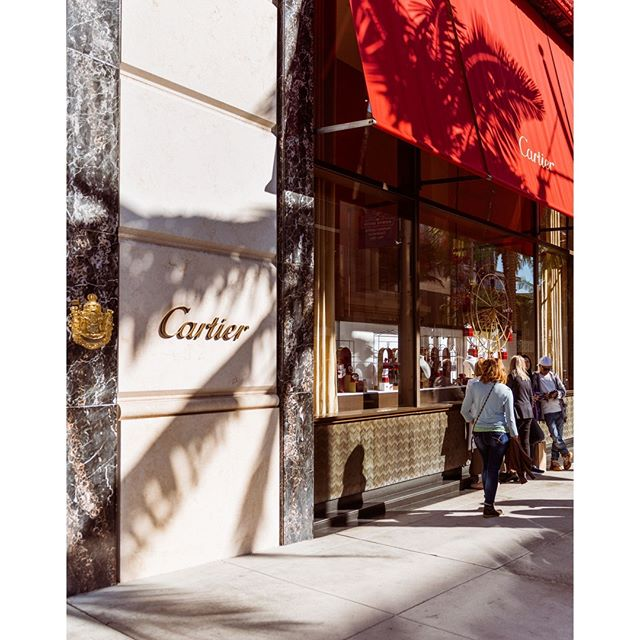 I was walking around Rodeo Drive and spotted the Cartier store. I loved how the Palm Trees perfectly framed Cartier. The shadows appeared as though they were a part of the exterior.⠀ ⠀ ⠀ #LA #Cartier #Shadow #lights #California #RoderoDrive #LosAngeles #Cali #Calilife #Travel #Latravel #travelphotography #travelphotographer #jewelry #wanderlust #adventure #travelmore #lovetotravel #goexplore #wonderfulplaces #roamtheplanet  #adventurelife #wonderful_places #amazingplaces #travelgram #instago #ilovetravel #instatravelling ⠀ #travelpics #photooftheday