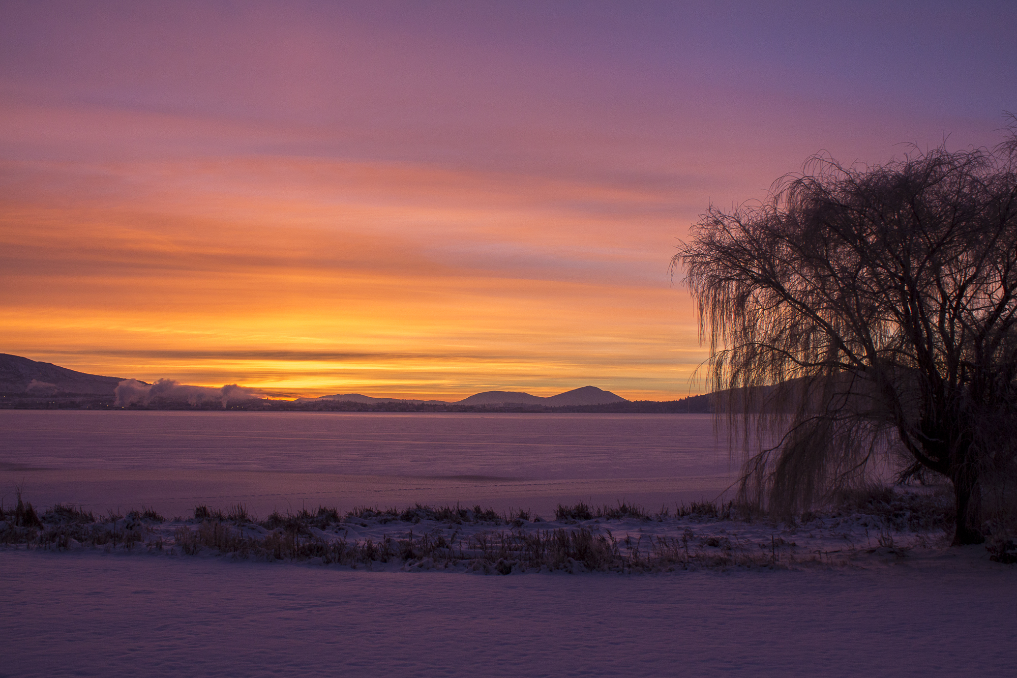 SunriseOverFrozenKlamLake.jpg