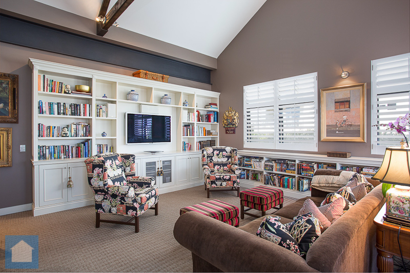 Natural lighting gives this shot the chance to show this room off to it's fullest potential...such class.