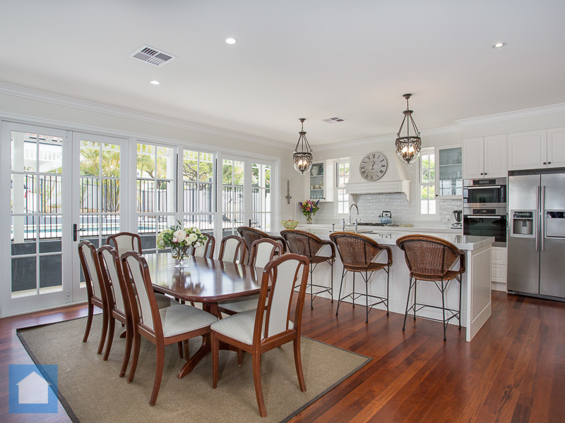 This kitchen dining area was fantastic. With the big glass doors letting in the daylight, this shot is so light and airy.