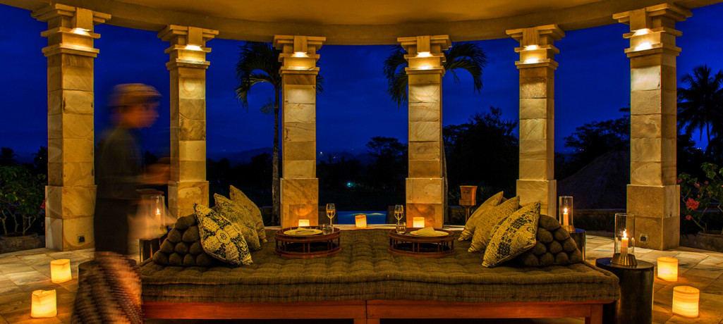 dalem-jiwo-suite-rotunda-interior-night-1400x600.jpg