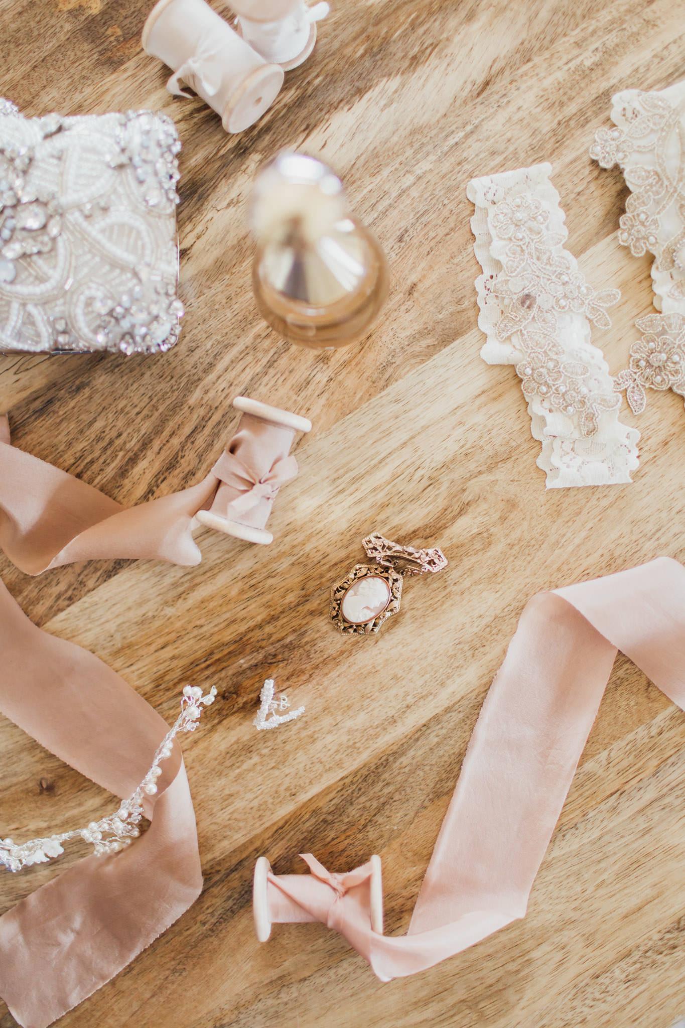 WeddingPhotos_Facebook_2048pixels-1009.jpg