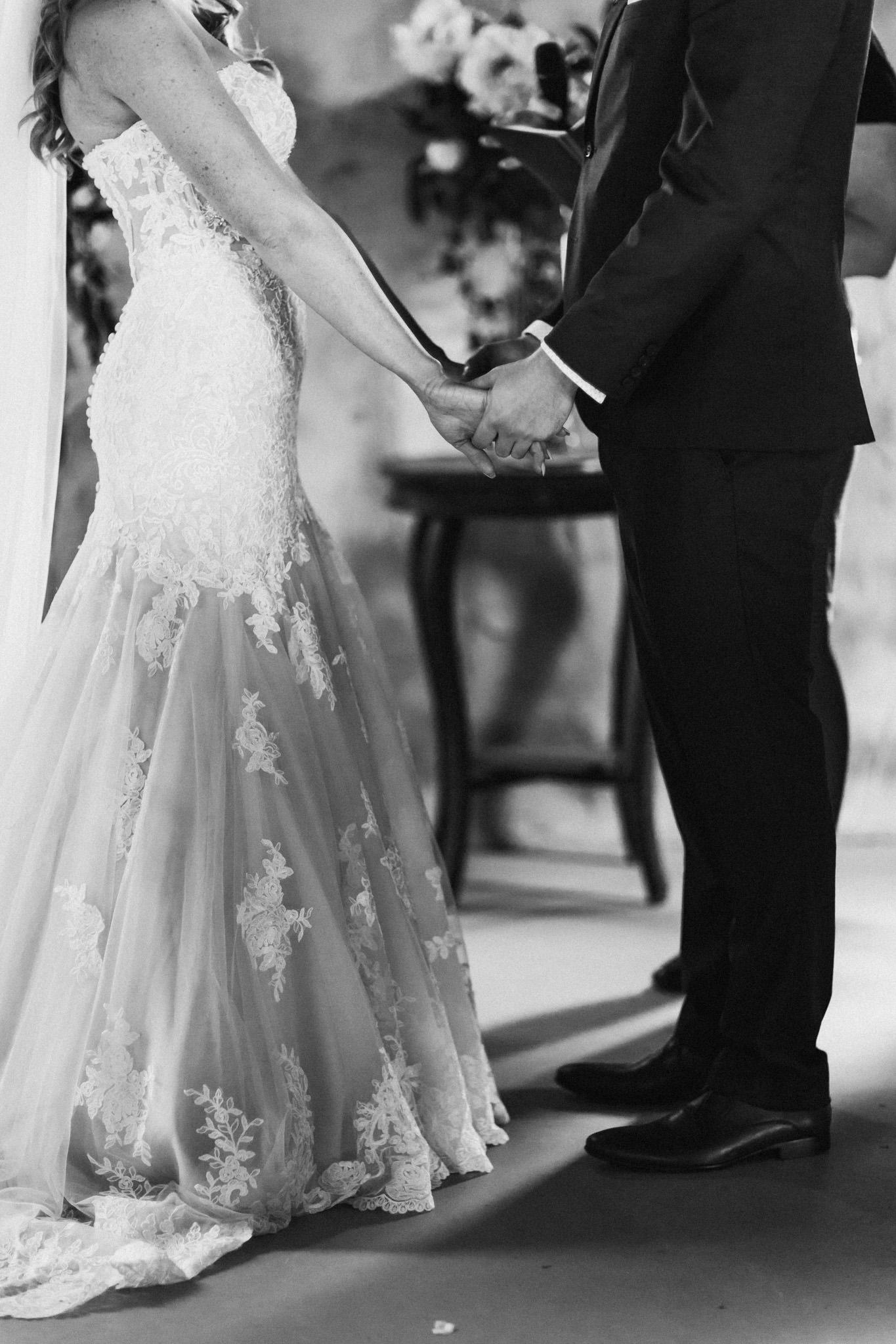 WeddingPhotos_Facebook_2048pixels-1045.jpg