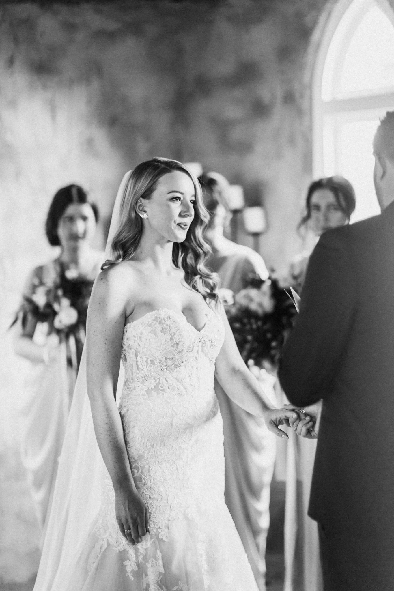 WeddingPhotos_Facebook_2048pixels-1046.jpg