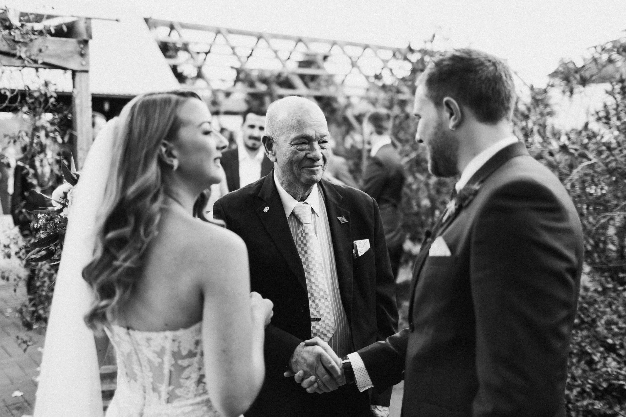 WeddingPhotos_Facebook_2048pixels-1059.jpg