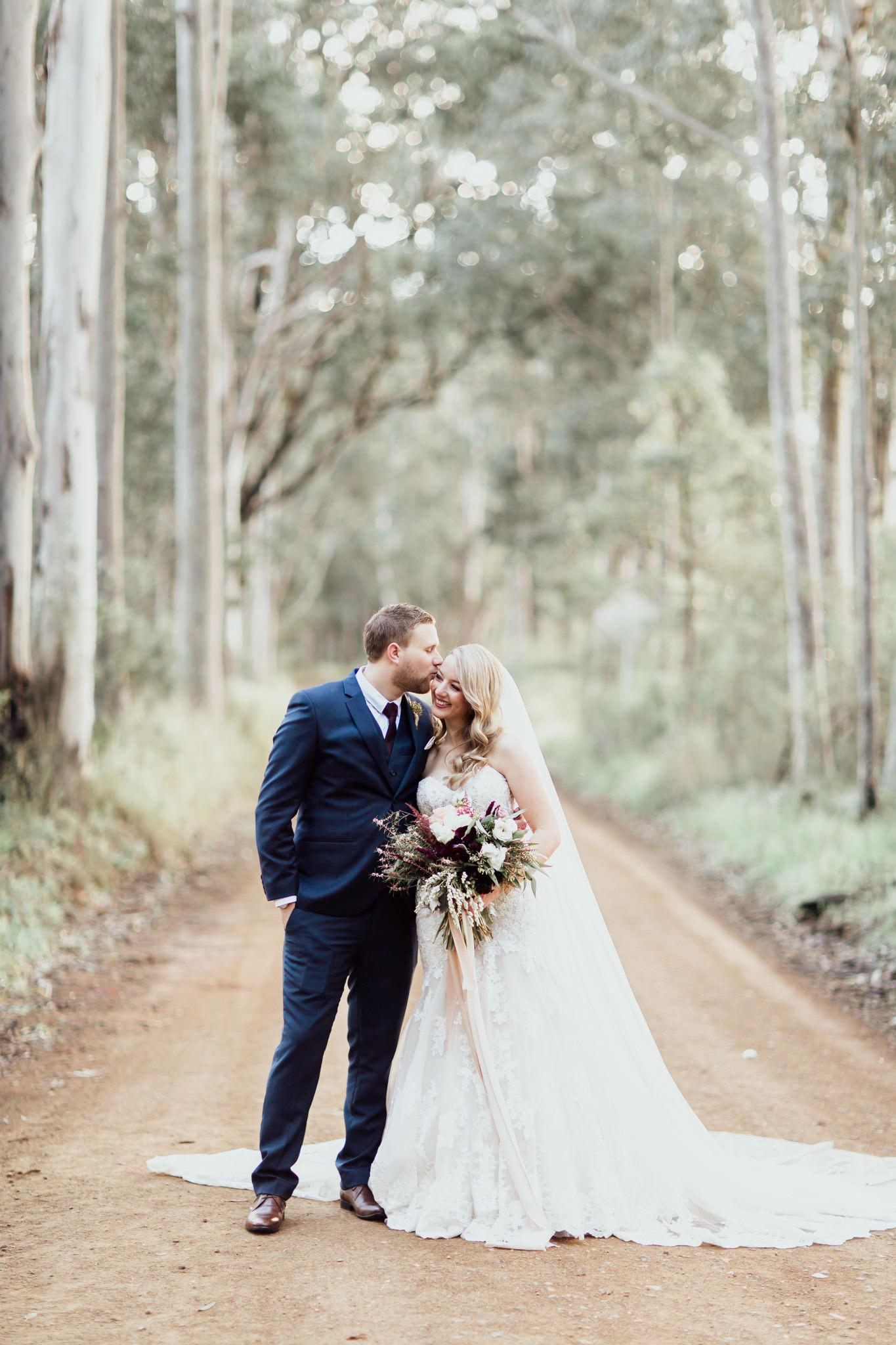 WeddingPhotos_Facebook_2048pixels-1086.jpg