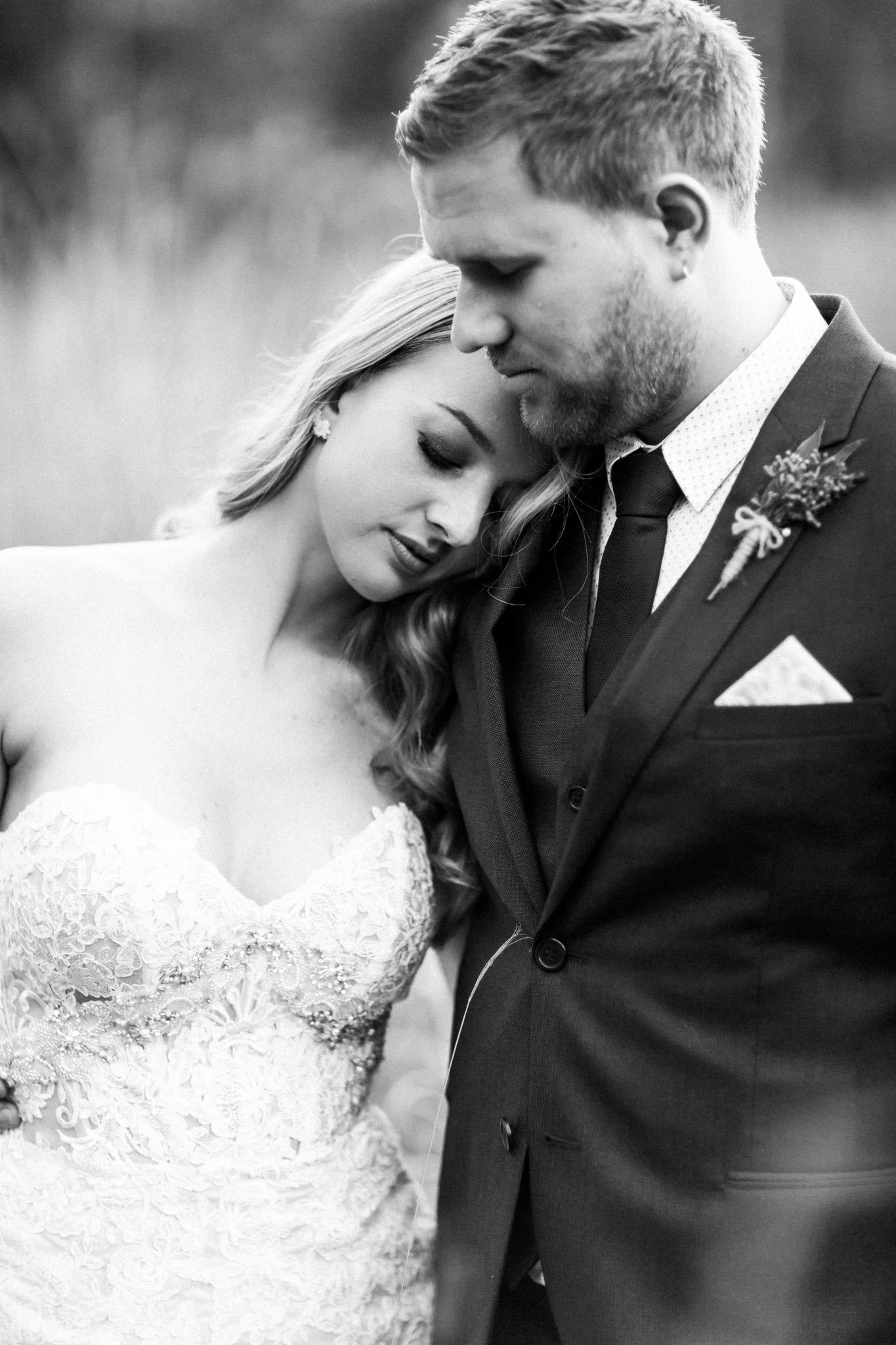 WeddingPhotos_Facebook_2048pixels-1096.jpg